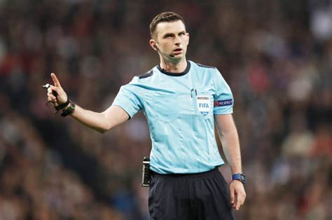 man utd  chelsea fa cup final referee michael oliver