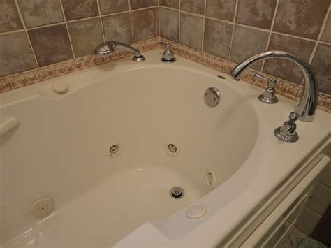 ideas transitional style  clean design  jacuzzi