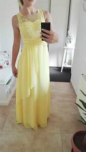 4cf712331bea Dlouhé společenské a plesové šaty se širokými i úzkými sukněmi