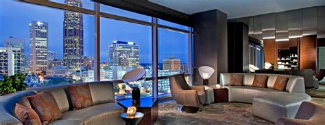 Downtown Atlanta Accommodations  Extreme Wow Suite W
