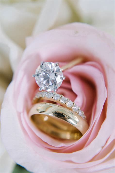 engagement rings  flowers  perfect shots