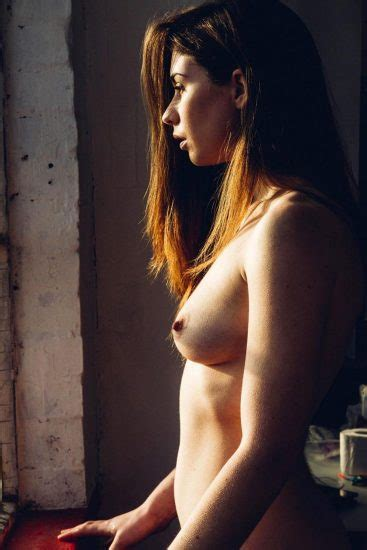 Redhead Model Elle Beth Nude Pussy And Tits Scandal Planet