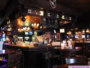 Chicago : Lion Head Pub and The Apartment with photo! via Planet99 Guide to Chicago bars ...