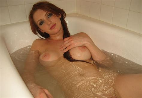 Naked Redhead Whore Is Taking A Bath 14 Photos The