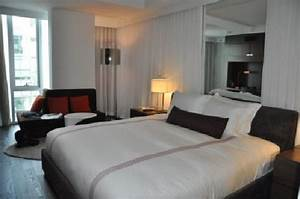 King Deluxe room. - Picture of Thompson Toronto - A ...