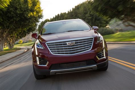 Xt5 Towing Capacity by Cadillac Xt4 Vs Cadillac Xt5 Dimensional Comparison