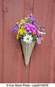 Schöne Bilder Für Die Wand : bilder von sch ne sommer wand weidenkorb blumen sch ne sommer csp23110579 suchen ~ Markanthonyermac.com Haus und Dekorationen