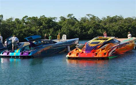 Crownline Boats Kijiji by Cigarette Powerboats Xoxo Boats And Stuff