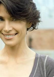 Coupe Courte Cheveux Bouclés : quelle coupe pour votre type de cheveux femmes d ~ Melissatoandfro.com Idées de Décoration
