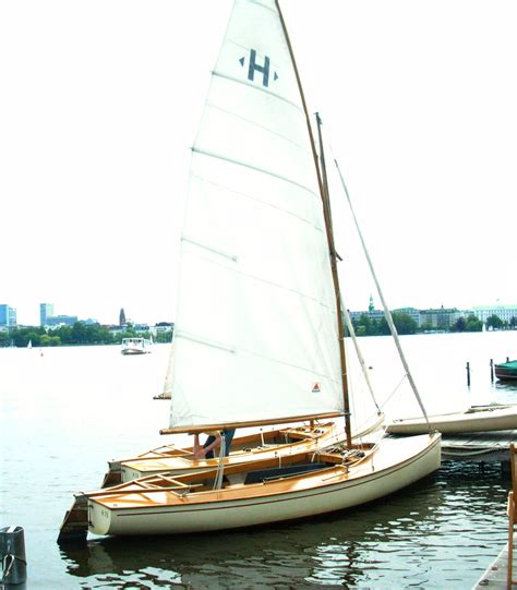 Sailboat Small by Small Wood Sailboat Www Pixshark Images Galleries