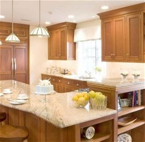 kitchen peninsula with breakfast bar
