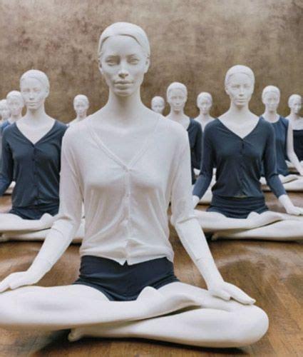 mannequin vitrine femme occasion 8 best mannequins vitrines sportifs active display mannequins images on lotus