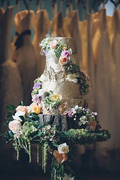 wedding cakes fit   fairy tale chwv