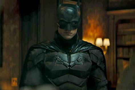 robert pattinsons  batman delays release