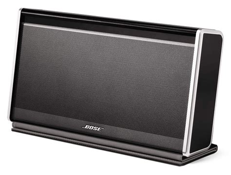 bose soundlink mini bluetooth speaker at home with tech