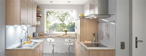cuisine petits espaces cuisine ixina en bois cette cuisine modèle mango