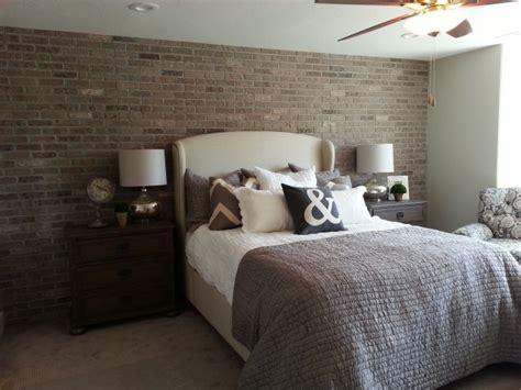 modele de chambre pour ado garcon papier peint imitation brique dans la chambre à coucher