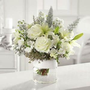 white centerpieces reception decorating With white wedding flower arrangement ideas