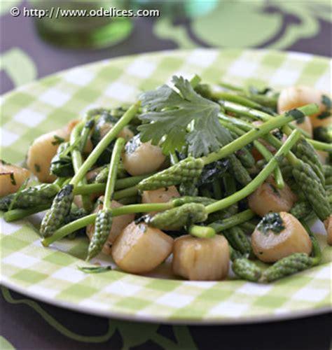 asperge cuisiner poêlée de pétoncles aux asperges vertes sauvages les