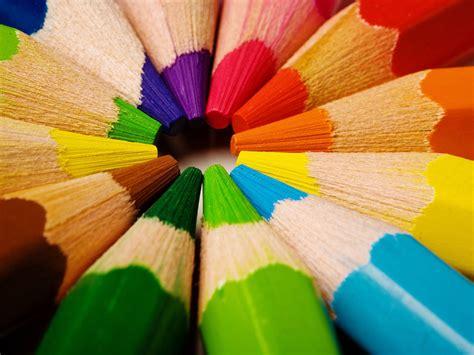 colored pencils    myt crtiv
