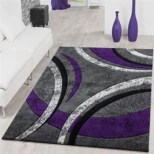 Teppich Läufer Lila : teppich wohnzimmer gestreift modern mit konturenschnitt in lila grau creme moderne teppiche ~ Markanthonyermac.com Haus und Dekorationen