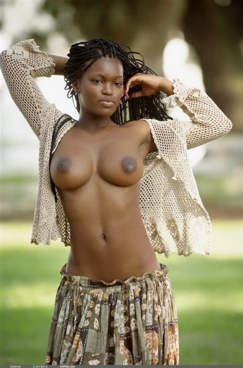 Deserea Nude In Hot Ebony Babe Exposes Her Hot Curves Free Domai Picture Gallery At Elitebabes