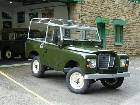 vintage land rover 1982 series 3 land rover restoration nearing completion
