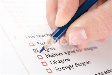 quot are purloiner quot stock filling quot agree quot checkbox of questionnaire stock photos