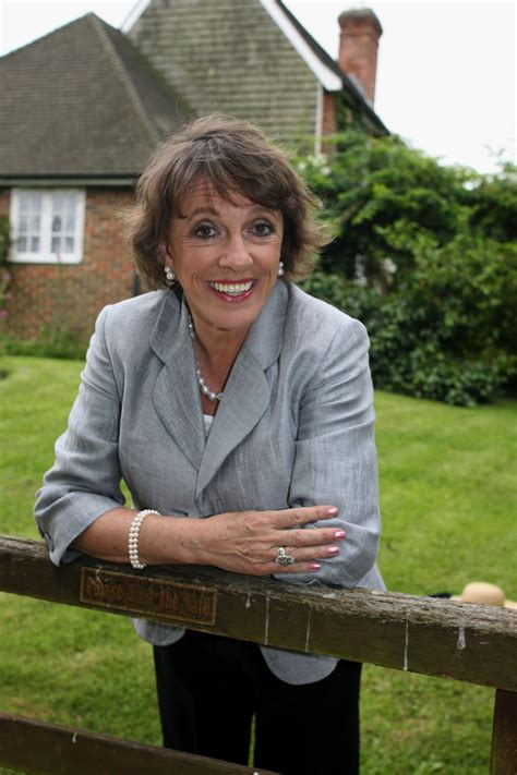 Hampshire celebrity nominated for top honour | Tops ...