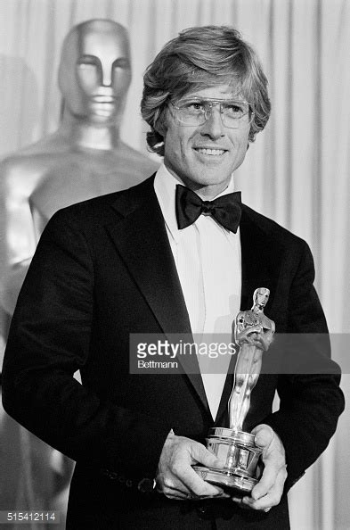 donald sutherland robert redford robert redford holding oscar pictures getty images