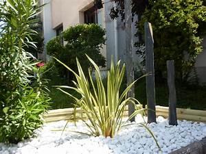 amenagement jardin avec ardoise amenagement jardin petit With amenagement de petit jardin 8 paillage bois et ardoise pour amenagement exterieur et