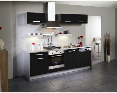 bordeaux cuisine cuisine gris inox cuisine plan de travail inox avec vert