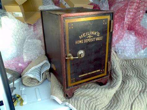 small antique cast iron safe obnoxious antiques