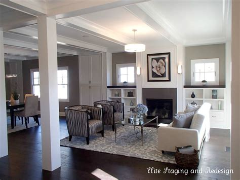 i these hardwood floors and the contrast w area
