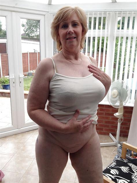 Karen Sexy Mature Granny 14 Pics