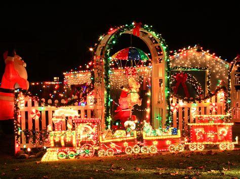 crazy christmas houses  house shop blog