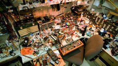 messy workspace undermines  persistence