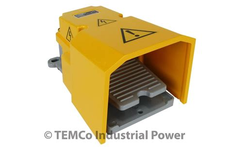 foot switch for l temco heavy duty foot switch w guard 15a spdt
