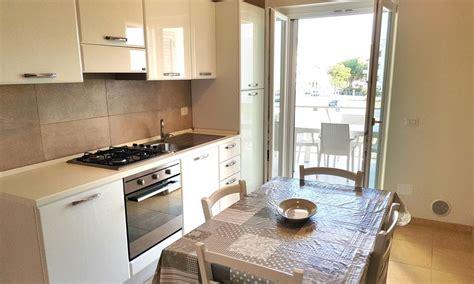 appartamenti sul mare a vieste appartamenti rotonda sul mare vieste offerte last minute