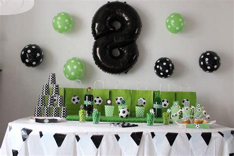 jeux de cuisine de papa decoration anniversaire garcon 8 ans table de lit a roulettes
