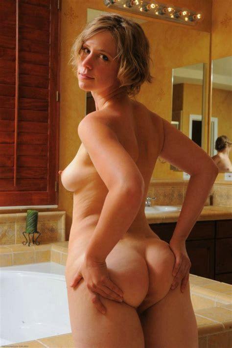 Young Amateur Ass Porno Photo