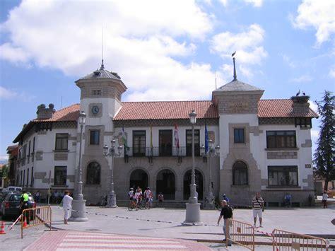 File:El Espinar ayuntamientoWikimedia Commons