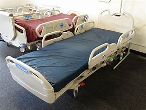 Hill Rom P3200 Versacare Bed