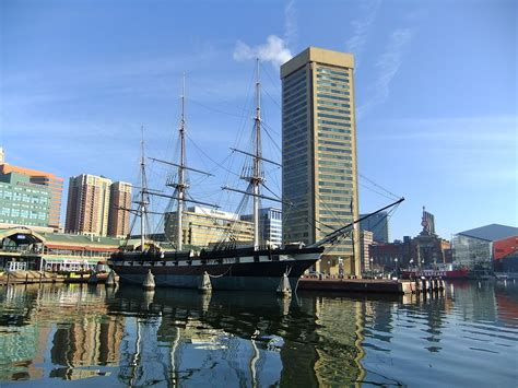 File:Baltimore Inner Harbor-02.jpg - Wikimedia Commons