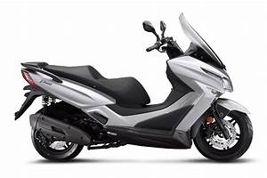 Kymco X Town 125 : kymco x town 125i abs motocykle 125 opinie ceny porady ~ Medecine-chirurgie-esthetiques.com Avis de Voitures