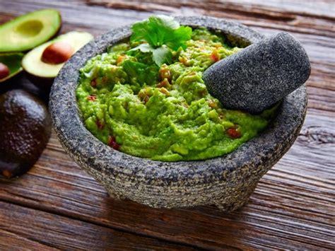 1 bowl kitchen copycat rosa mexicano 39 s guacamole en molcajete recipe