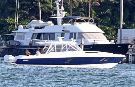 What Is To Take A Boat Ride In Spanish by Anna Kournikova And Enrique Iglesias Take A Boat Ride Zimbio