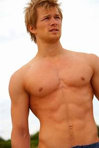 30 Hot Guy Show Off Their Sexy Body - MagMent