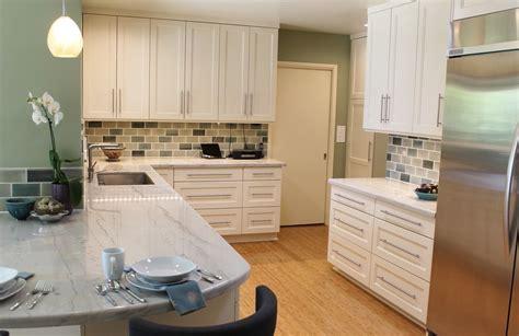 image peinture cuisine cuisine moderne cuisine nous a fait à l 39 aise