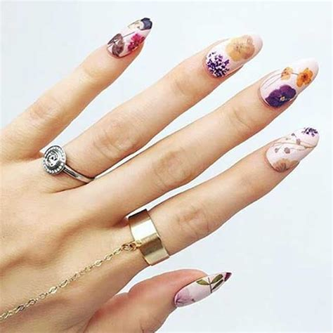pressed flower manicures     spring